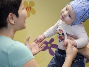 Ich weiß, was du fühlst: Schon Babys können Angst in den Augen anderer unbewusst wahrnehmen. © MPI f. Kognitions- und Neurowissenschaften/Kerstin Flake