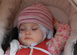 Nur scheinbar untätig: Im Schlaf festigt das Babygehirn zuvor Gelerntes und verallgemeinert es. © Manuela Friedrich