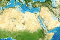 Die Sahara gehört heute zu den trockensten Regionen der Erde. Vor rund 9000 Jahren war sie eine grüne Savanne. Spannende Details zum Übergang konnten jetzt anhand von Proben rekonstruiert werden, die vor der Mündung des Nils im Mittelmeer gewonnen wurden (gelber Punkt). Image reproduced from the GEBCO world map 2014, www.gebco.net