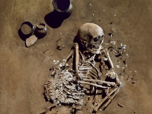 Grab eines erwachsenen Mannes aus der Salzmünder Kultur (Saalekreis, Sachsen-Anhalt) ca. 5400-5100 v. Chr. Seine genetischen Daten sind in die Studie mit eingeflossen. © Juraj Lipták, LDA Sachsen-Anhalt